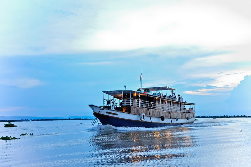 Cruise from Phnom Penh to Siem Reap